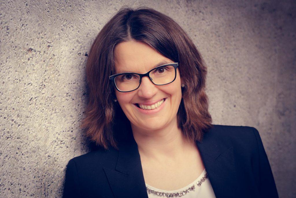 Jasmin Isphording ist Gründerin und Inhaberin von Jasis-Consulting, einer auf Kanzleien spezialisierte Unternehmensberatung. Mit ihr habe ich mich über die Wichtigkeit von Prozessen in Kanzleien unterhalten.