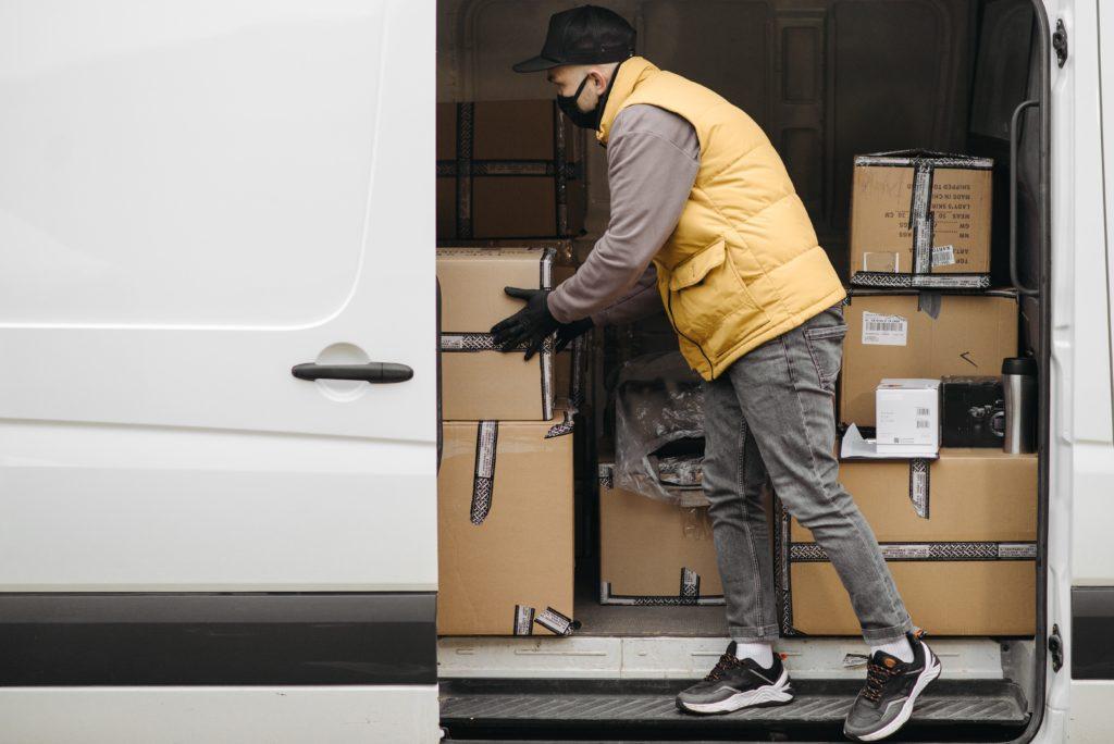 Kennzahlen für das Logistik- und Supply Chain Controlling: Die kundenbezogene Kennzahlen Liefertreue beeinflusst den wahrgenommenen Service und ist damit für das Logistikcontrolling wichtig.
